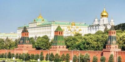 موسكو ترسل طائرة محملة بمعدات طبية إلى أمريكا