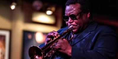 وفاة عازف الجاز الأمريكي والاس روني بفيروس كورونا