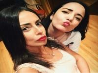 إسراء عبدالفتاح تهنئ سارة درزاوي بعيد ميلادها