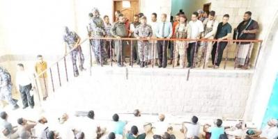 خشية كورونا.. إطلاق 200 سجين في المكلا