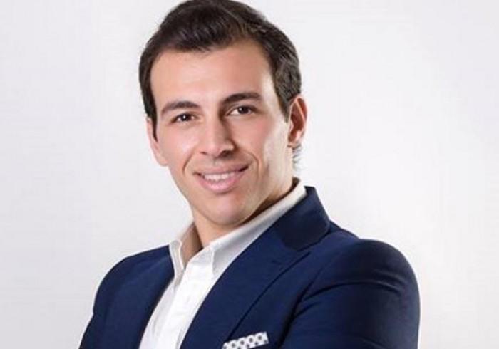 رامي رضوان ينشر آخر إحصائيات فيروس كورونا ويطلب من متابعيه التزام المنزل