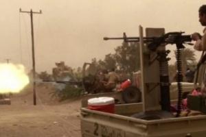 """""""القوات المشتركة"""" تدمر طقما لمليشيا الحوثي بالحديدة"""
