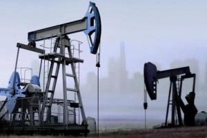 بعد دعوة السعودية.. النفط يحقق أكبر مكاسبه على الإطلاق في جلسة واحدة