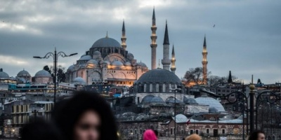 تركيا تضع 30 مدينة في عزلة بسبب تفشي كورونا