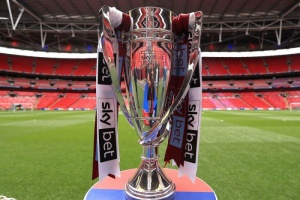 أنشيلوتي يطالب بالمساواة بين الأندية في حال استئناف الدوري الإنجليزي