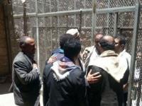 الجائحة تطرق أبواب الزنازين.. معتقلون محاصرون بين كورونا والحوثي