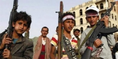 """""""الشرق الأوسط"""": مليشيا الحوثي تدفع آلاف الأطفال لجبهات القتال"""