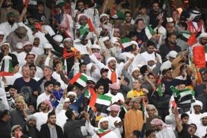 الجماهير الإماراتية تؤيد التدريب المنزلي للاعبين عقب توقف النشاط الرياضي