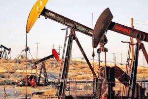 أسعار النفط تنخفض 3% بعد تأجيل اجتماع أوبك