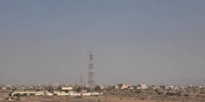 جريح في هجوم حوثي على حيس
