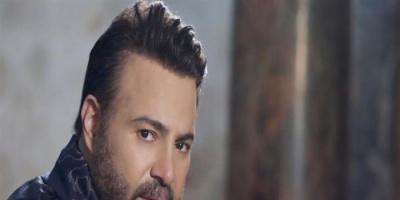 بالفيديو.. عاصي الحلاني يغني لجمهوره من المنزل
