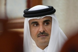 بعد اختفائه..السليمان يسخر من أمير قطر