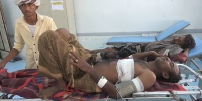 قناص حوثي يُصيب مواطناً في التحيتا (فيديو)