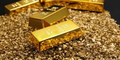 الذهب يرتفع بفعل إقبال المستثمرين على الملاذات الآمن