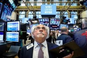 دعم المركزي الأمريكي يدفع بورصة وول ستريت للارتفاع