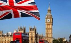 بريطانيا تسجل قرابة الألفي حالة وفاة بكورونا خلال يومين