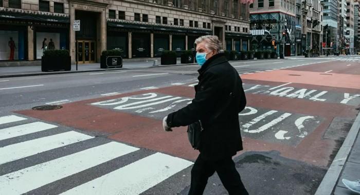 عمدة نيويورك يتهم الحكومة الأمريكية بالتقصير في مواجهة انتشار كورونا