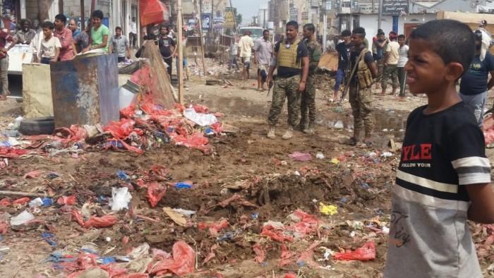 الأمن يلاحق أسواق القات في عدن (صور)