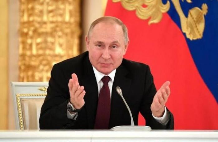 بوتين: الصين منحتنا 150 مليون كمامة طبية عبر قنوات مختلفة