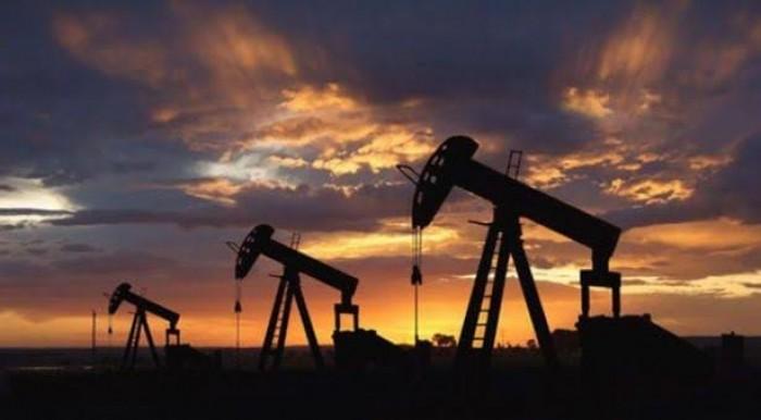 عاجل..  النفط يتكبد خسائر قياسية لأول مرة منذ عام 1986