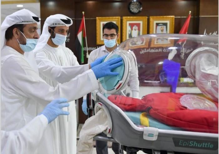 """لأول مرة بالشرق الأوسط.. الإمارات تنقل مصابي كورونا عبر """"كبسولة العزل المتنقلة"""""""