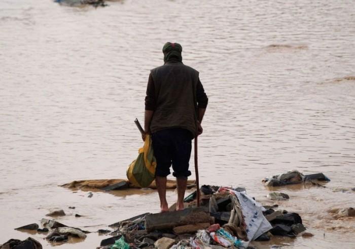 العرب اللندنية: الأمطار بالشمال تفاقم معاناة اليمنيين