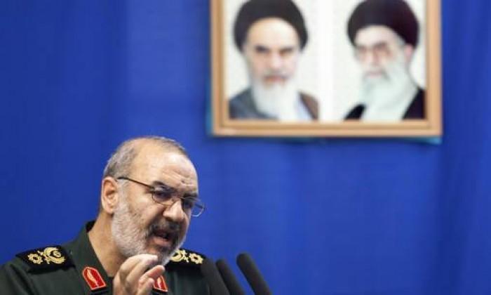 الحرس الثوري الإيراني يلوح برد قوي على أي تهديد أميركي في مياه الخليج
