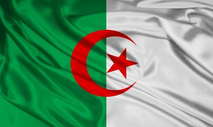 """بعد أزمة الأسواق النفطية.. الجزائر تطالب """"أوبك+"""" بتنفيذ فوري لقرار خفض الإنتاج"""