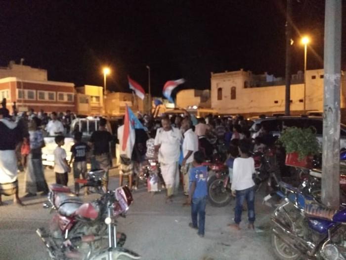 مسيرات حاشدة بالديس الشرقية لدعم خطوات الانتقالي (صور)