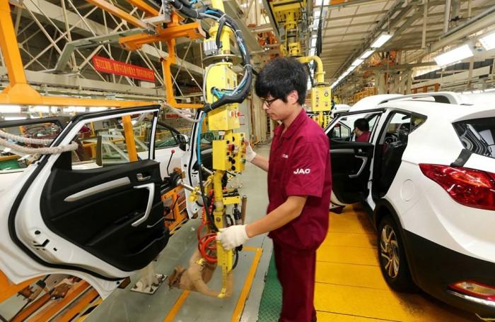 كورونا يتسبب في انخفاض مبيعات السيارات باليابان بنحو 28.6%