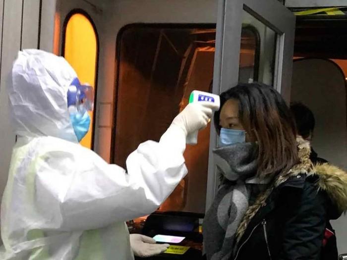 خبراء يكشفون.. قياس الحرارة إجراء خادع لكشف مصابي فيروس كورونا