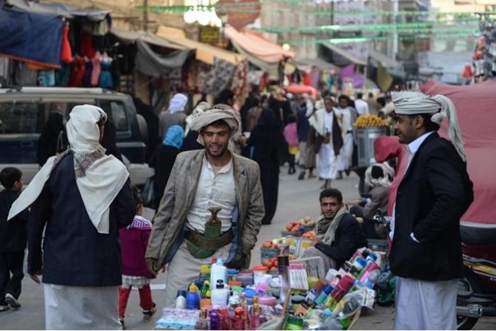 إغلاق عدد من الأسواق وحظر تجول جزئي في صنعاء