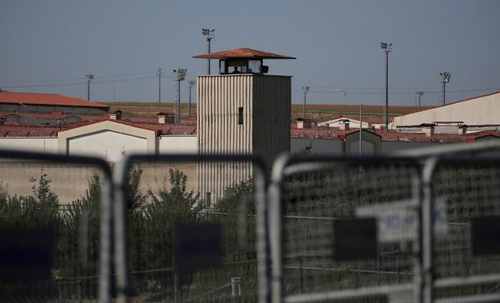 برلماني كردي يؤكد تفشي كورونا في سجون تركيا