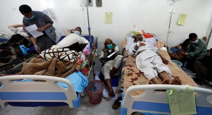 """""""اعتصام الكوليرا"""".. وباءٌ ينهش الأجساد ويصنع الأزمات"""