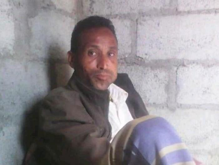 طقم حوثي يتسبب بمقتل وإصابة 3 أشخاص بتعز