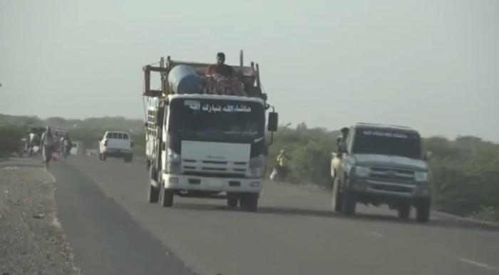 الحوثيون يجبرون المواطنين على النزوح من الحديدة