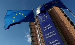 المفوضية الأوروبية تدعو لتمديد منع السفر غير الضروري نحو أوروبا