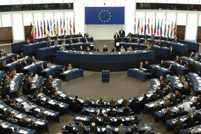 البرلمان الأوروبي يعلن افتتاح مركزا لإجراء فحوصات كورونا