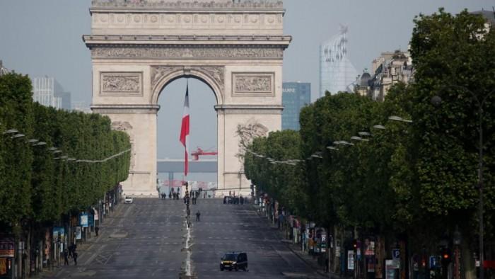 خوفاً من كورونا.. فرنسا ترفض فتح المتنزهات والحدائق بباريس