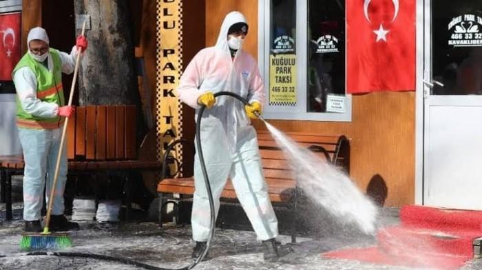 تركيا تسجل نحو 1700 إصابة جديدة بكورونا