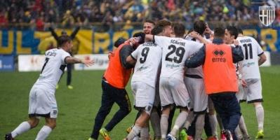 إصابة لاعبين في بارما الإيطالي بفيروس كورونا
