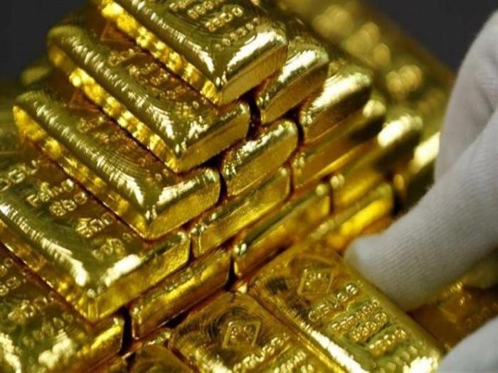 الذهب يهبط من أعلى مستوى في 7 سنوات والأوقية تسجل 1732.10 دولار