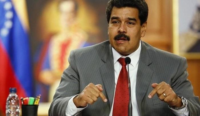 الرئيس الفنزويلي: أجرينا تجربة صواريخ في جزيرة بانتظار وصول ناقلات النفط الإيرانية