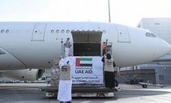 الإمارات تُغيث أفغانستان في أزمة كورونا بطائرة مساعدات طبية