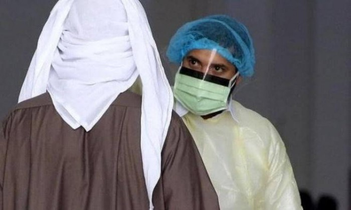 الكويت تسجل 10 وفيات و900 إصابة جديدة بكورونا