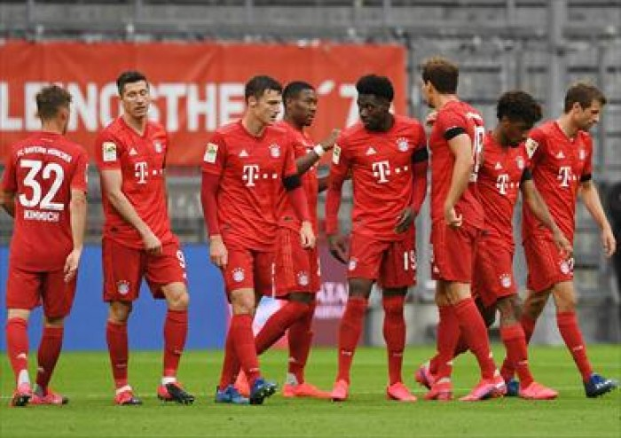 بايرن ميونخ يهزم آينتراخت بخماسية في الدوري الألماني