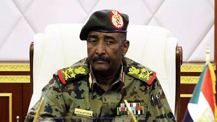 البرهان يؤكد على الالتزام بحماية الثورة وتطبيق متطلبات الفترة الانتقالية