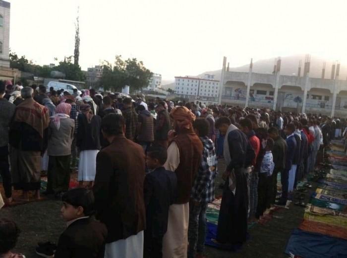 الحوثي وصلاة العيد.. المليشيات تمنح كورونا رخصة الانتشار