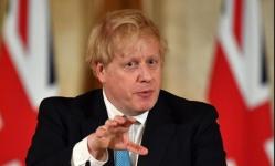 الحكومة البريطانية تتجه إلى تخفيف قيود كورونا وفتح المدارس تدريجيًا