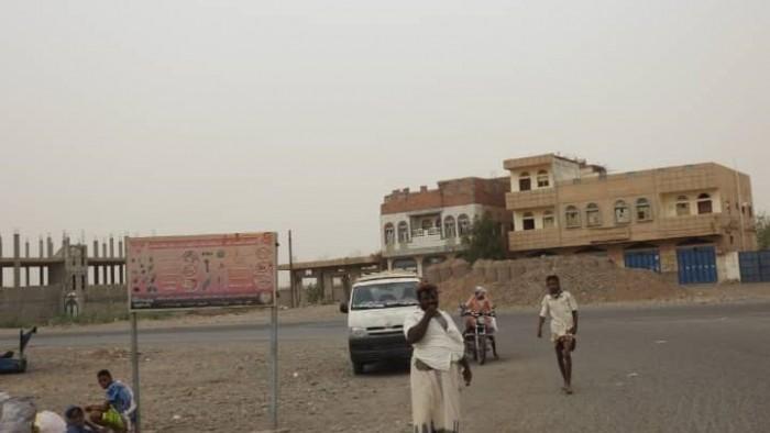 بقصف المنازل.. مليشيا الحوثي تحرم حيس من العيد